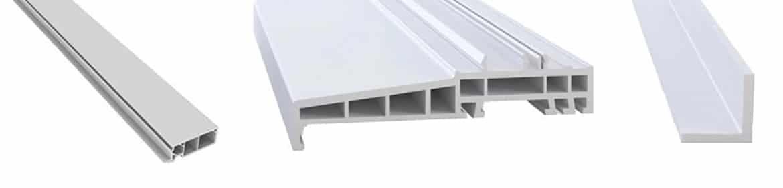 Fenêtres PVC avec différents accessoires de finition